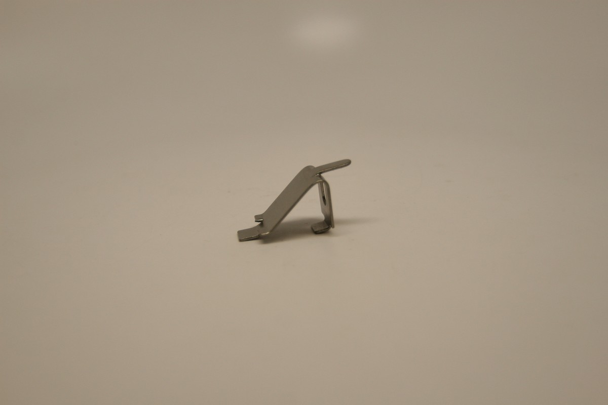 Replacement Traulsen Shelf Clip Stainless 344 08982 00